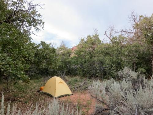 How to sSelect a Backpacking Shelter and Tent